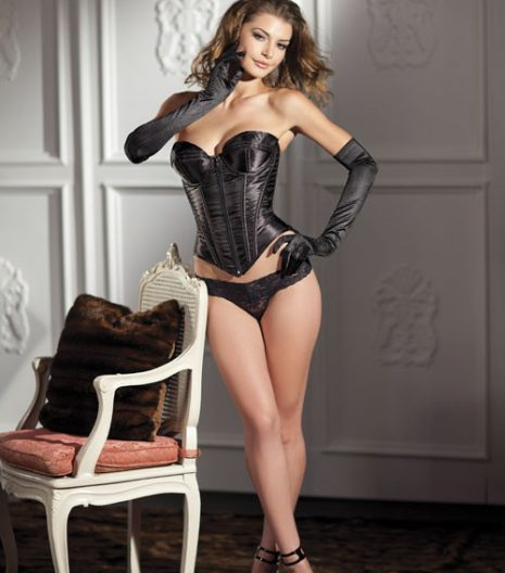 Black sweetheart corset with structured cups